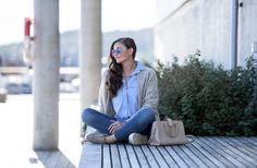 Jeanette Sundøy - By Malene Birger - Wool cardigan - 5units - Jeans - Saint Laurent - Crossover bag - Blue shirt - Quay