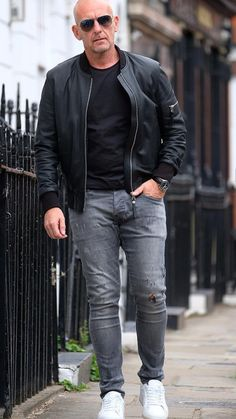Top 5 Street Style Looks For Bald Men, , Mens Fashion Style, Tall Men Fashion, Mens Fashion Blog, Mens Fashion Suits, Old Man Fashion, 2000s Fashion, Fashion Black, Street Fashion, Fashion Tips, Mode Masculine