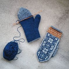 Knit lined mitten ❄ Knitted Mittens Pattern, Knit Mittens, Knitting Socks, Knitting Stitches, Knitting Patterns, Norwegian Knitting, Fingerless Mittens, Fair Isle Knitting, Knitting Accessories
