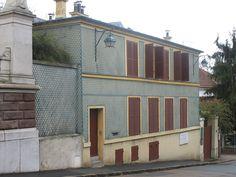 Sevres maison des Jardies Construction, Multi Story Building, Garage Doors, Outdoor Decor, Home Decor, Ile De France, Home, Building, Decoration Home