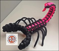 Want an interesting conversation piece for your home or office? This Paracord Scorpion is hand assembled from US sourced mil spec, commercial grade 550 paracord Paracord Weaves, Paracord Braids, Paracord Knots, Paracord Keychain, 550 Paracord, Paracord Bracelets, Paracord Tutorial, Bracelet Tutorial, Parachute Cord Crafts