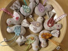 ༺༺༺♥Elles♥Heart♥Loves♥༺༺༺ .............♥Pincushions♥............. #Pincushion #Pin #Cushion #Design #Sewing #Notions #Needle #Handmade #Vintage #Craft #Tutorial #Pattern ~ ♥Patchwork Pottery: Pincushion