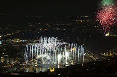 Budapest, 2015. augusztus 20. Ünnepi tűzijáték a Duna felett Budapesten 2015. augusztus 20-án. MTI Fotó: Lakatos Péter