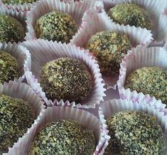 Σοκολατάκια μπισκότου με αμύγδαλα! Greek Recipes, Nutella, Caramel, Recipies, Muffin, Sweets, Cookies, Chocolate, Baking