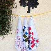 Como pintar tecido misturando estêncil e carimbo