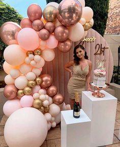 Birthday Balloon Decorations, Diy Wedding Decorations, Birthday Party Themes, 40th Birthday Balloons, Elegant Birthday Cakes, Birthday Outfits, Birthday Dresses, 18th Birthday Decor, 21st Balloons