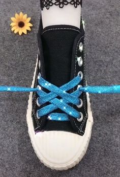 Шнуровка обуви beard dye for men - Beard Ways To Lace Shoes, How To Tie Shoes, Your Shoes, How To Lace Converse, Lace Up Shoes, Shoe Lacing Techniques, Diy Fashion, Fashion Shoes, Creative Shoes
