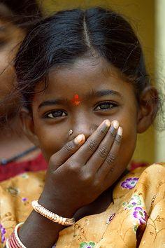 India, Timidez. Shyness. © Inaki Caperochipi Photography