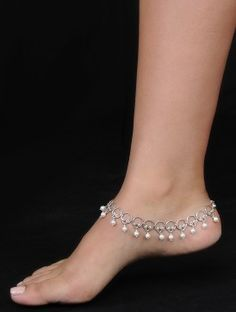 Anklet Jewelry Classic Silver Anklets with Pearls (Set of - Classic Silver Anklets with Pearls (Set of Payal Designs Silver, Silver Anklets Designs, Silver Payal, Anklet Designs, Gold Earrings Designs, Necklace Designs, Fancy Jewellery, Silver Jewellery Indian, Gold Jewellery Design