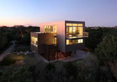 Highly Modern American Home Showcasing A Dynamic Architectural Composition - http://freshome.com/2012/10/10/highly-modern-american-home-showcasing-a-dynamic-architectural-composition/