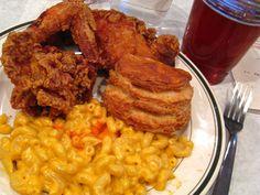 Fried chicken, biscuit & mac-n-cheese @ Pies 'n' Thighs; Williamsburg, Brooklyn
