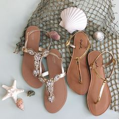 These simple T-strap sandals are a summer wardrobe must-have. Coral Sandals, Sandals Outfit, Metallic Sandals, Cute Sandals, T Strap Sandals, Shoes Sandals, Women Sandals, Flat Sandles, Womens Training Shoes
