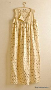 Jazzy Gold Free Dress Patterns - This is the perfect dress to lounge about in or wear out to a casual lunch date.