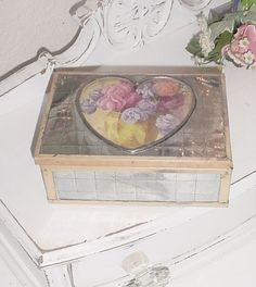 SHABBY Vintage CHIC Romantic Cottage VALENTINE BOX Jewelry Trinket Vanity FLOWERS,HEART with PINK TRIM