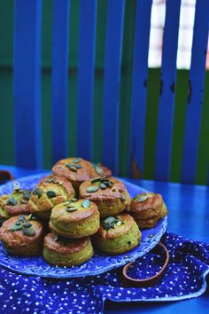 Salmon Burgers, Muffin, Breakfast, Ethnic Recipes, Food, Morning Coffee, Essen, Muffins, Meals