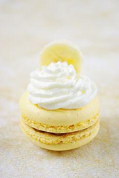 banana macarons (recipe in french)