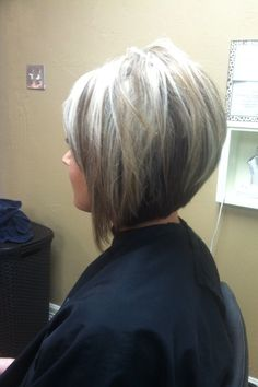 Stacked bob! Warmer colors on the bottom and brighter on top. Love!