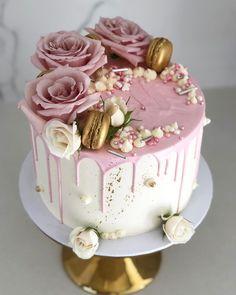 Cake Birthday Party Decorating 68 New Ideas - kuchen Beautiful Birthday Cakes, Beautiful Cakes, Amazing Cakes, Beautiful Beautiful, Beautiful Pictures, 21st Birthday Cakes, Birthday Cakes For Women, Birthday Cake Designs, Birthday Cake Roses