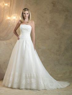 08f120fe2863 Auf der Suche nach Ihrem Traum Traditionell Royal Brautkleid