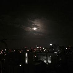 The moon once pulled blood from me. Night Aesthetic, City Aesthetic, Aesthetic Images, Aesthetic Dark, Dark Feeds, Dark Paradise, Dark Places, Dark Skies, Dark Night