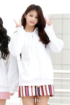#TWICE #TZUYU #KCON2018JAPAN Nayeon, Kpop Girl Groups, Korean Girl Groups, Kpop Girls, Tzuyu Wallpaper, Warner Music, Sana Momo, Chou Tzu Yu, Beauty Around The World