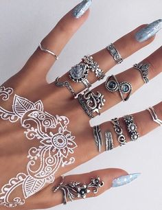 Gorgeous Henna Hand Tattoo and Long Casket Ice Blue Nails Nail Jewelry, Cute Jewelry, Jewelry Rings, Jewelry Accessories, Jewellery Box, Nagel Hacks, Nail Ring, Cute Rings, Boho Rings