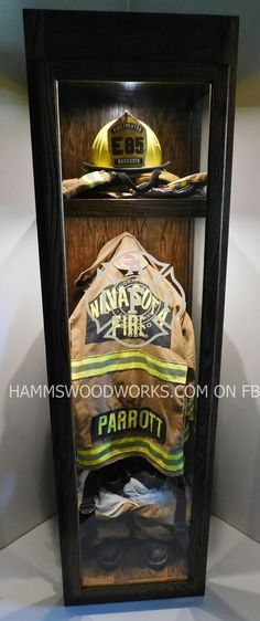 I hope I never have to do this in my life. Firefighter Turnout Gear Memorial Case | Shared by LION