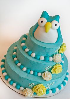 adorable three-tier owl cake
