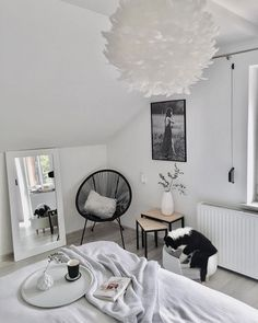 Sessel Bahia Sessel Bahia The post Sessel Bahia appeared first on Schlafzimmer ideen. My New Room, My Room, Home Bedroom, Ikea Bedroom, Bedroom Furniture, Bedroom Mirrors, White Bedroom Decor, Deco Furniture, Plywood Furniture