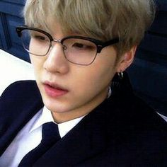 Read Imagine Namjoon from the story Imagines, memes, reações BTS! Jimin, Suga Gif, Min Yoongi Bts, Min Suga, Bts Bangtan Boy, Suga Suga, Seokjin, Kim Namjoon, Hoseok