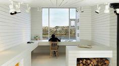 ノルウェーを拠点とする建築家、トッド・サンダース氏によるカナダ・フォーゴ島のスタジオは、デザイン系サイトか何かで写真を目にしたことがある方も...