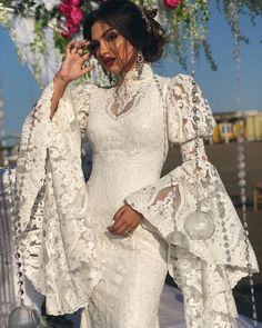 Sleeves design is an important aspect of any clothing's item-such as blouse, top, or dresses we create. Simple Dresses, Beautiful Dresses, Lace Dress, Dress Up, Dress Skirt, Evening Dresses, Prom Dresses, Dress Prom, Wedding Dresses