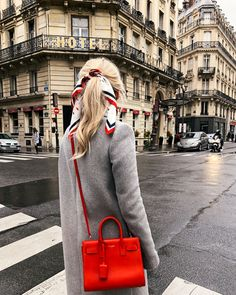 paris street style paris hair bow ssl handbag saint laurent handbag grey coat j. crew coat on sale black friday black friday sales Mode Ootd, Saint Laurent Handbags, Saint Laurent Bag, Mode Shoes, Looks Street Style, Winter Mode, Bohemian Mode, Boho Chic, Inspiration Mode