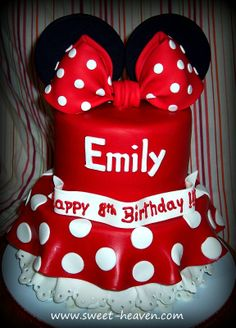 Minie Mouse Cake - Half Chocolate and half Vanilla cake flavor  filled with classic buttercream  covered with fondant
