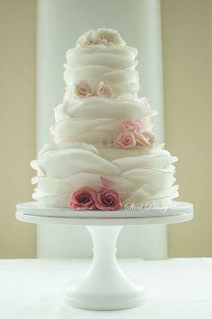 思わず自慢したくなる!ウェディングケーキデザイン集♡ | BLESS【ブレス】|プレ花嫁の結婚式準備をもっと自由に、もっと楽しく
