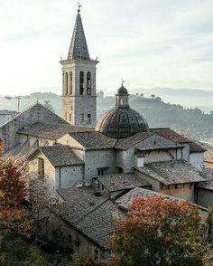 447 отметок «Нравится», 13 комментариев — Italia.it (@italiait) в Instagram: «Spoleto is famous in the world for its Festival of the 2 Worlds, also known as Spoleto Festival.…»
