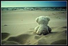 Peluches nella sabbia