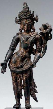 13th-c-nepal-padmapani-gilt-cop-gems-21-cm-sothebys.jpg (225×460)