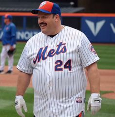 My Mets, Lets Go Mets, Kevin James, Chubby Men, Guy Outfits, King Of Queens, Fat Man, New York Mets, White Man