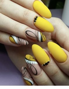 The yellow nails are cute and stylish, catching people's eyes, and as shining as the bright sunshine of the summer. The bright colors bring people a happy mood, and the yellow nails are increasingly favored by fashion people. Cute Acrylic Nails, Fun Nails, Pretty Nails, Yellow Nails Design, Yellow Nail Art, Blue Nail, Fall Nail Designs, Acrylic Nail Designs, Matte Stiletto Nails