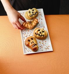 Postres Halloween, Waffles, Sweet Treats, Cookies, Breakfast, Desserts, Food, Recipes, Mini Cupcakes