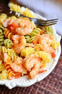 Chipotle Shrimp Bacon & Tomato Pasta Bowl  from willcookforsmiles.com #shrimp #pasta
