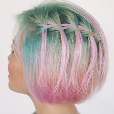 Still obsessed with @liztieu's hair by @maxbrennerswife. Did you know you can do a waterfall braid in short hair too?