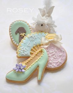 【ROSEY'S SUGAR CLASSES】Icing Cookies lesson ~ Marie Antoinette Theme | Flickr - Photo Sharing!