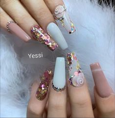 Simple Nail Art Designs That You Can Do Yourself – Your Beautiful Nails Glam Nails, Fancy Nails, Bling Nails, Cute Nails, Rhinestone Nails, Beauty Nails, Beauty Makeup, Perfect Nails, Gorgeous Nails