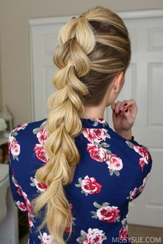 If you're new to braiding then the pull through braid will quickly become your new favorite. It looks impossibly tricky but it's actually not even a braid at all! Combining a pattern of ponytails together is the secret to creating this trendy style and if you haven't tried it out yet then check out the tutorial below and start practicing before all those holiday parties come and go! Leave a comment below if you're already obsessed with this braid! Pull Through Braid Supplies: Paddle brush…