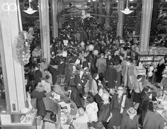 Christmas rush at Macy's in NYC, 1947  things just never change and this was during a depresion