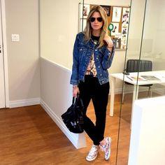 Helena Bordon no escritório com look comfy