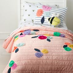 pink quilt: Crate and Barrel Search Results Floral Bedroom, Bedroom Decor, Bedroom Ideas, Crate And Barrel, Camas Twin, Aqua Bedding, Bedding Sets, Girl Bedding, Toddler Bedding Girl
