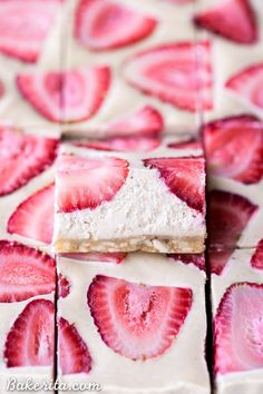 No-Bake Strawberry Shortcake Bars are incredibly creamy from the cashew base and taste just like strawberry shortcake! No baking necessary to make these gluten-free Paleo and vegan bars. Paleo Vegan, Vegan Bar, Vegan Recipes, Sweet Recipes, Coconut Recipes, Vegan Protein, Protein Bars, Chili Recipes, Vegan Food